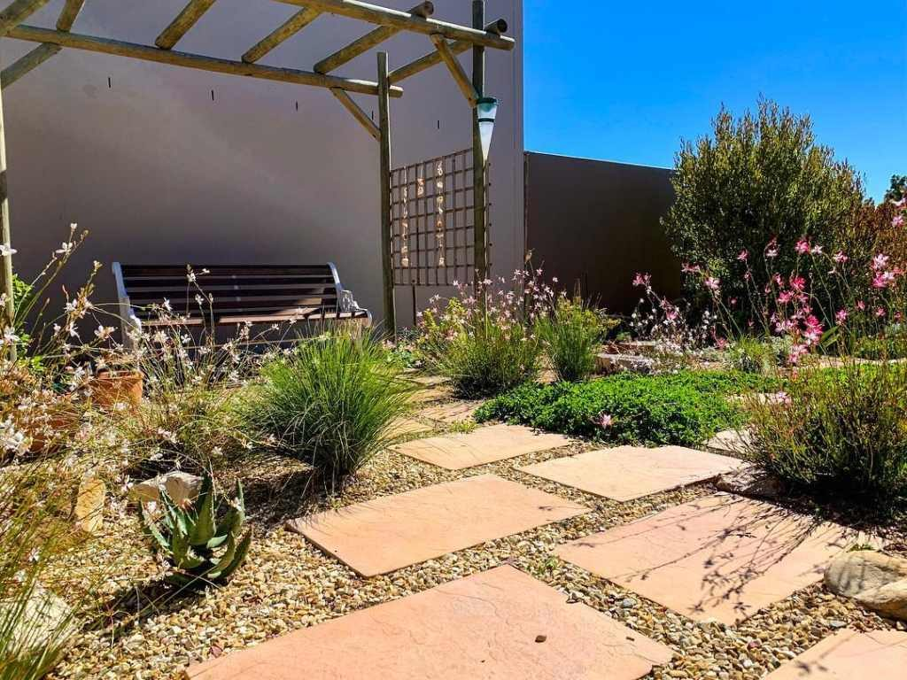 House Watt Rose Buchanan Landscape design